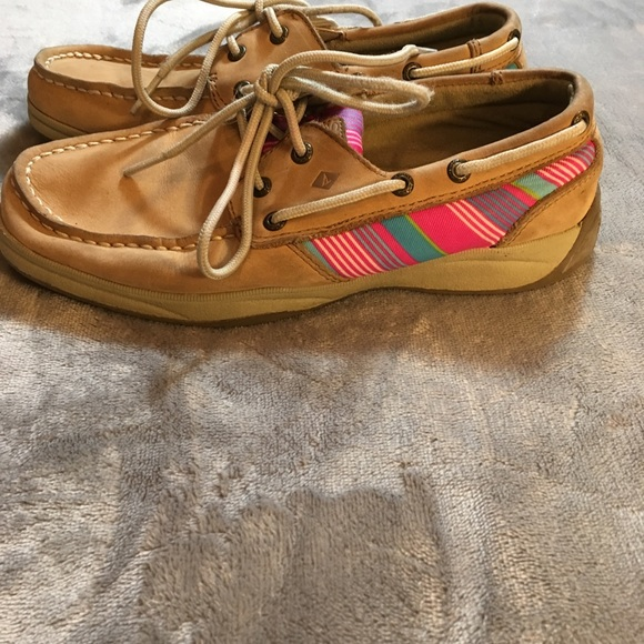 Sperry Other - Sperry Girls Intrepid With Colored Side Detail